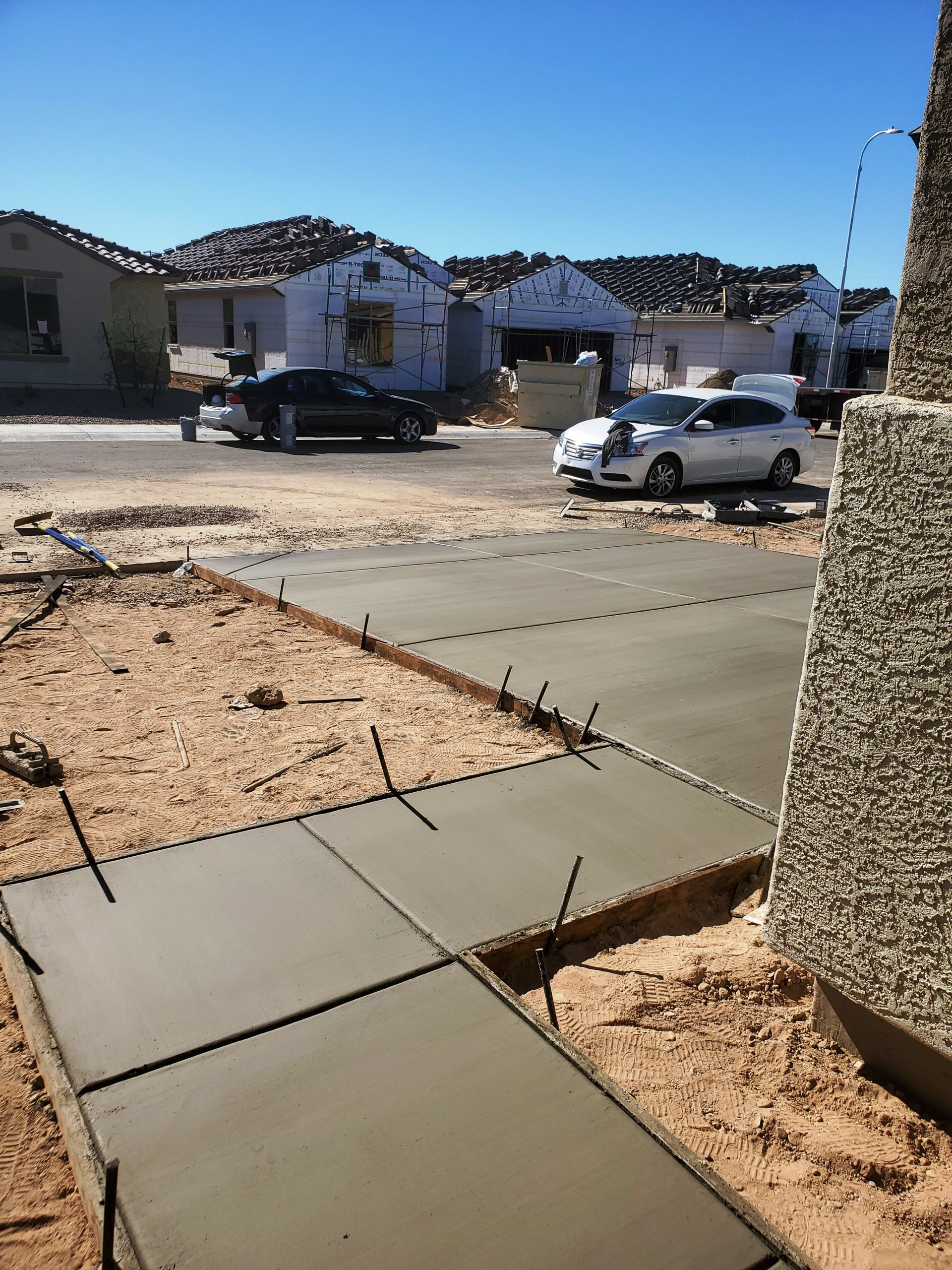 Tips for Adding or Replacing a Concrete Driveway in Phoenix Arizona